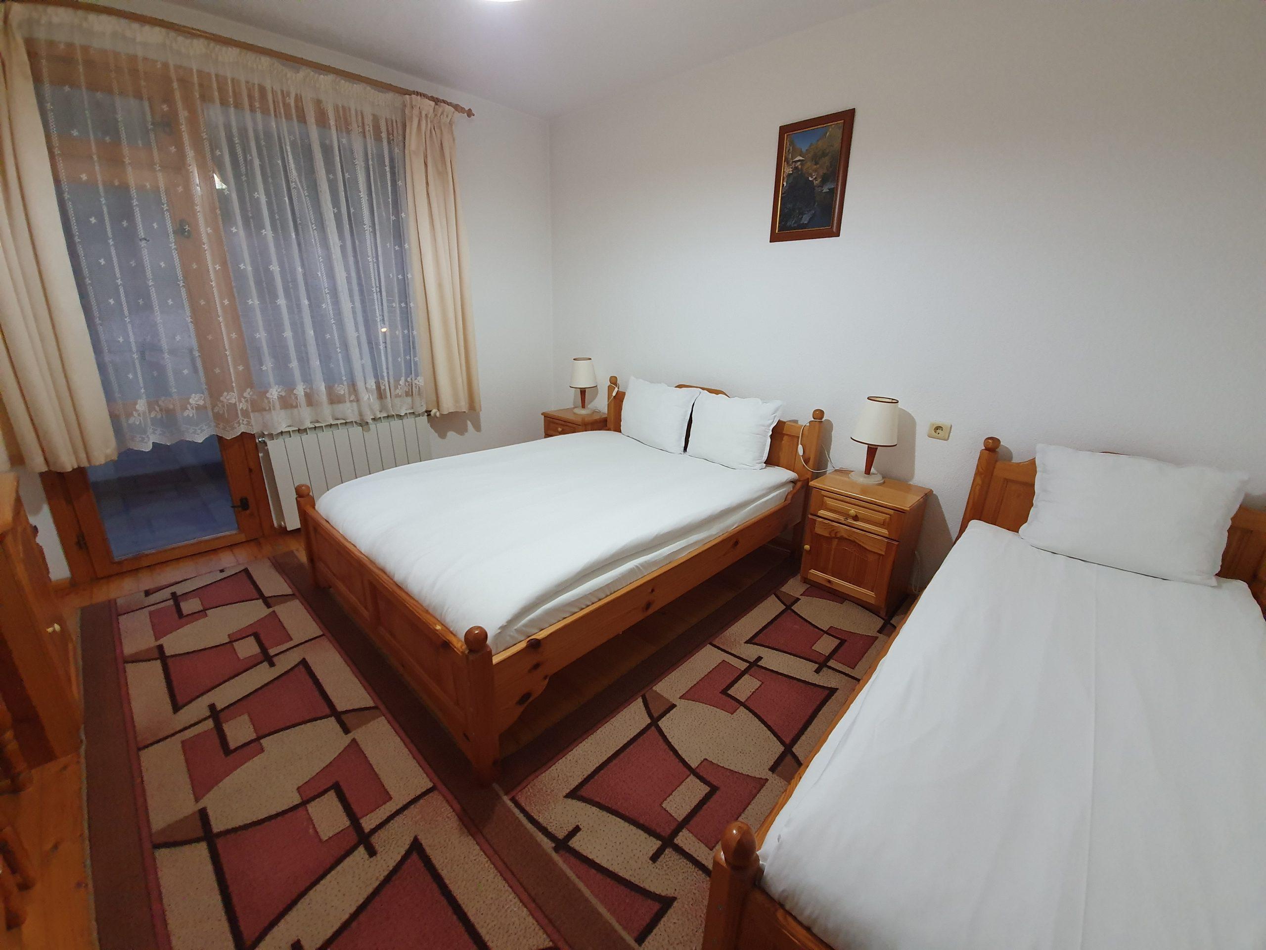 Хотел Ягодина тройна стая Стандарт
